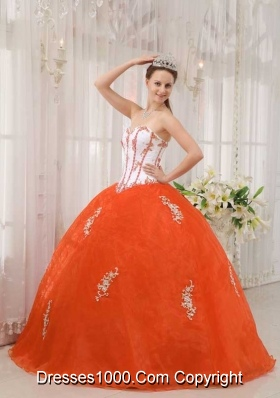 Orange Red Puffy Sweetheart Organza Quinceanera Gowns with Appliques