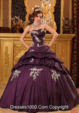 2014 Fashionable Dark Purple Puffy Sweetheart Beading and Appliques Quinceanera Dresses