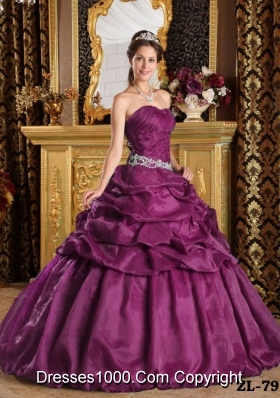 2014 Inexpensive Puffy Strapless Pick-ups Quinceanera Dresses with Beading