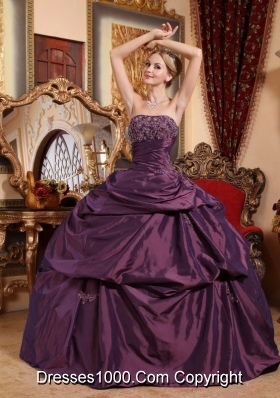 2014 Purple Puffy Strapless Beading and Appliques Quinceanera Dresses with Pick-ups