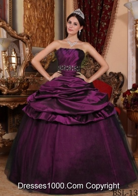 2014 Purple Puffy Strapless Beading Quinceanera Dresses with Pick-ups