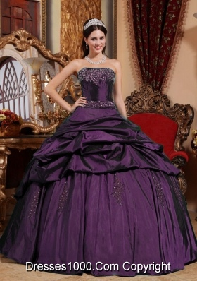 Fashionable Beading Quinceanera Dress in Dark Purple Puffy Strapless for 2014