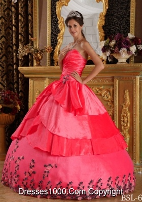 2014 Classical Coral Red Puffy Sweetheart Appliques Quinceanera Dress with Beading