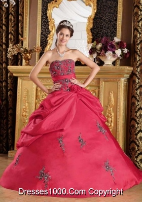 2014 Red Puffy Strapless Embroidery and Hand Made Flower Quinceanera Dress with Appliques