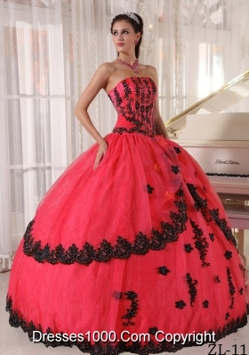 2014 Inexpensive Puffy Strapless Quinceanera Dresses with Appliques