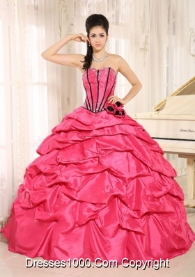 2014 Pretty Red Beaded and Hand Made Flowers Quinceanera Dress With Pick-ups