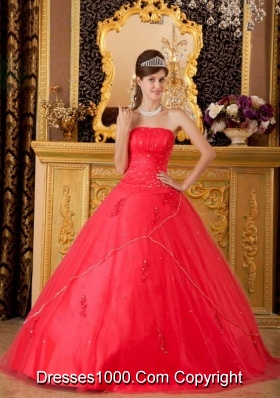 2014 Princess Strapless Beading and Appliques Quinceanera Dresses in Red