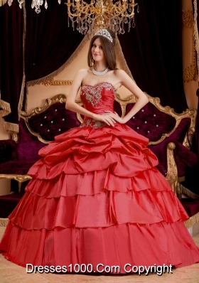 Red Puffy Sweetheart Pick-ups and Appliques Decorate 2014 Quinceanera Dresses
