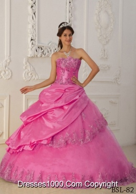 Rose Pink Princess Sweetheart Quinceanera Gowns with Appliques