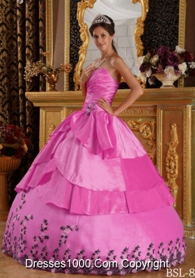 Rose Pink Princess Sweetheart Quincenera Dresses with Appliques