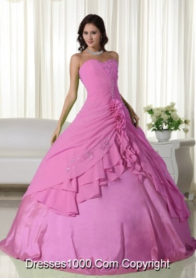 Rose Pink Sweetheart Chiffon Rose Pink Quinceanera Gowns with Flowers