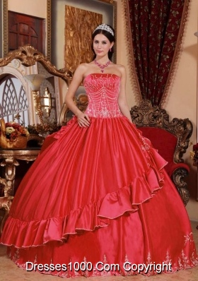 Brand New Red Puffy Strapless 2014 Embroidery Quinceanera Dresses