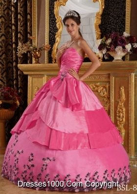 Sweetheart Taffeta Appliques Pink Quinceanera Dress with Appliques