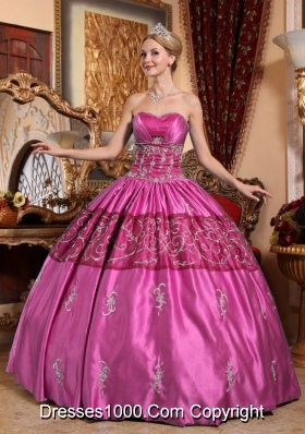 Pink Puffy Sweetheart Taffeta Sweet Sixteen Dresses with Embroidery