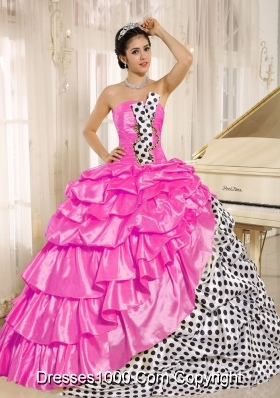 Popular Strapless Pink Quinces Dresses with Layers and Pick-ups