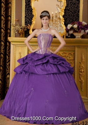 Purple Ball Gown Strapless Appliques Dresses For a Quince with Pick-ups