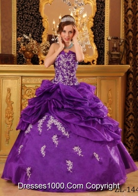 Purple Strapless Organza Quinceneara Dresses with Appliques and Pick-ups