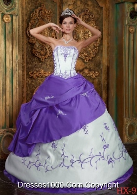 Strapless Purple and White Quinceanera Gowns with Embroidery and Pick-ups