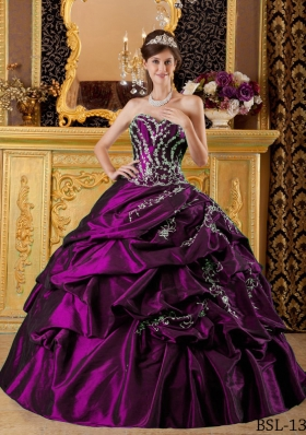 Ball Gown Sweetheart Appliques Sweet Sixteen Quinceanera Dresses with Pick-ups