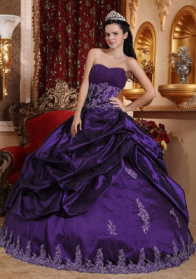 Dark Purple Ball Gown Sweetheart Appliques Quince Dresses with Pick-ups