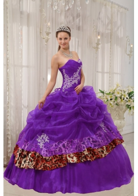 Modern Purple Sweetheart Zebra Appliques Quinceanera Gowns with Pick-ups