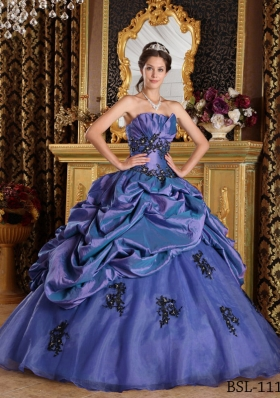 Purple Princess Strapless Organza Appliques Quinceanera Gowns with Pick-ups