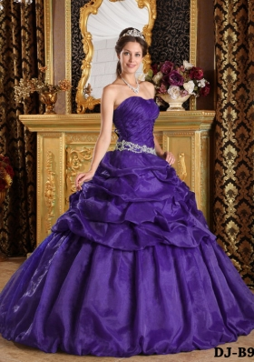 Purple Princess Strapless Quinceanera Gowns with Appliques and Pick-ups