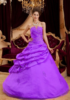 Purple Princess Strapless Taffeta Appliques Sweet 15 Dresses with Pick-ups