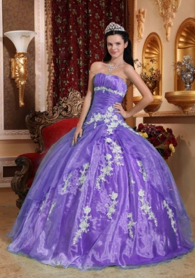 Beautiful Ball Gown Strapless Appliques Dresses For a Quince