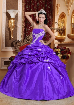 Purple Ball Gown Strapless Quinceanera Dress with Appliques and Pick-ups