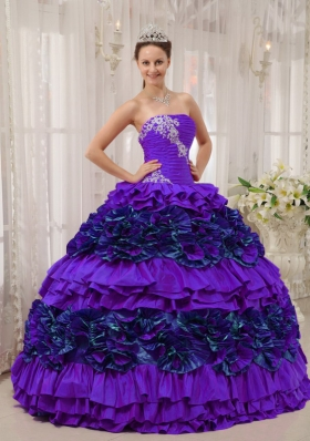 Purple Straplesas Appliques and Ruching Quinceanera Dress with Ruffles