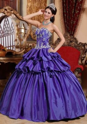 Purple Sweetheart Taffeta Quinceanera Gowns with Appliques and Pick-ups