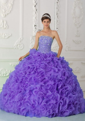 Strapless Organza Purple Quinceanera Gowns with Beading and Ruffles