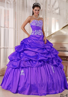 Purple Sweetheart Taffeta Sweet 16 Dresses with Appliques and Pick-ups