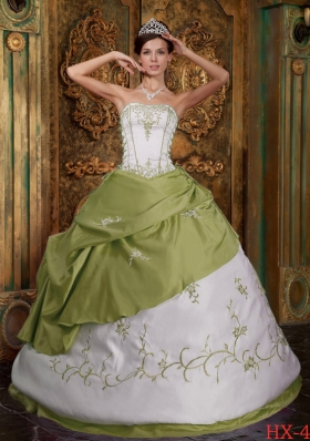 Olive Green Ball Gown Strapless Sweet 16 Dresses with Embroidery