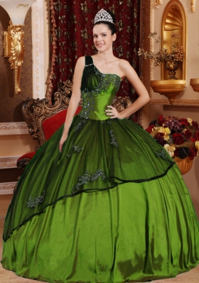Olive Green One Shoulder Organza Quinceanera Gowns with Beading and Appliques
