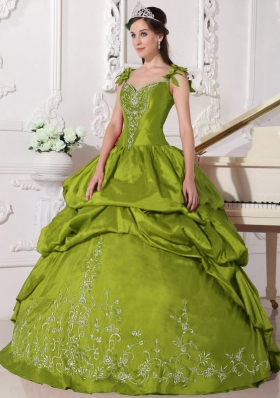 Olive Green Straps Taffeta Quinceanera Gowns with Embroidery
