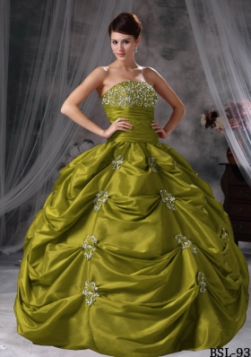 Ball Gown Strapless Pick-ups Dresses For a Quinceanera with Appliques