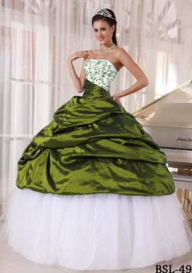Beautiful Puffy Strapless Embroidery Sweet 16 Dresses with Pick-ups
