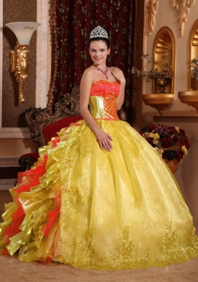 2014 Ball Gown Strapless Ruffles Organza Embroidery Gold Quinceanera Dresses