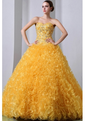2014 Golden Princess Sweetheart Brush Train Ruffles Quinceanea Dress with Beading