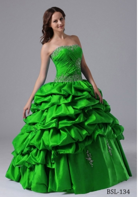 2014 Popular Puffy Pick-ups Quinceanera Dress with Beading and Pick-ups