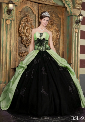 Discount Yellow Green Puffy Strapless Appliques  for 2014 Quinceanera Dress with Bow