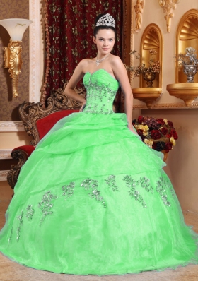 2014 Gorgeous Puffy Sweetheart Green Quinceanera Dress with Appliques and Beading