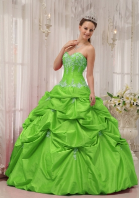 2014 Spring Green Puffy Sweetheart Appliques Quinceanera Dress with Pick-ups