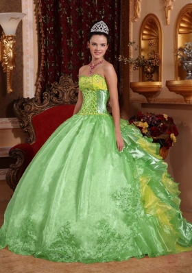 Popular Green Puffy Strapless for 2014 Embroidery Quinceanera Dress with Ruffles