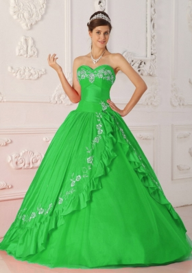 Princess Sweetheart with Embroidery and Beading Decorate for 2014 Green Quinceanera Dress