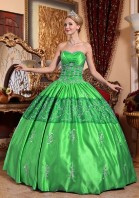 The Brand New Style Green Puffy Sweetheart for 2014 Embroidery Quinceanera Dress