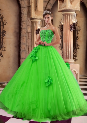 2014 Classical Green Puffy Strapless with Beading and Hand Made Flowers Quinceanera Dress