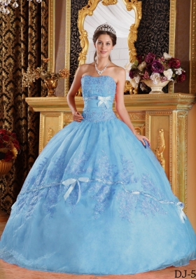 2014 Exquisite Puffy Strapless Appliques Bowknot Quinceanera Dresses
